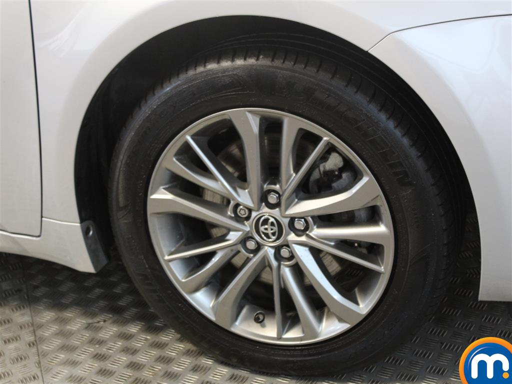 Toyota Avensis Business Edition Manual Diesel Estate - Stock Number (993296) - Passenger side