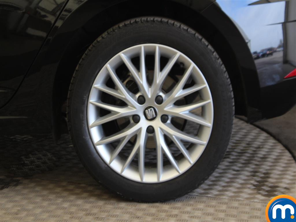 Seat Leon Se Dynamic Manual Petrol Hatchback - Stock Number (997332) - Drivers side