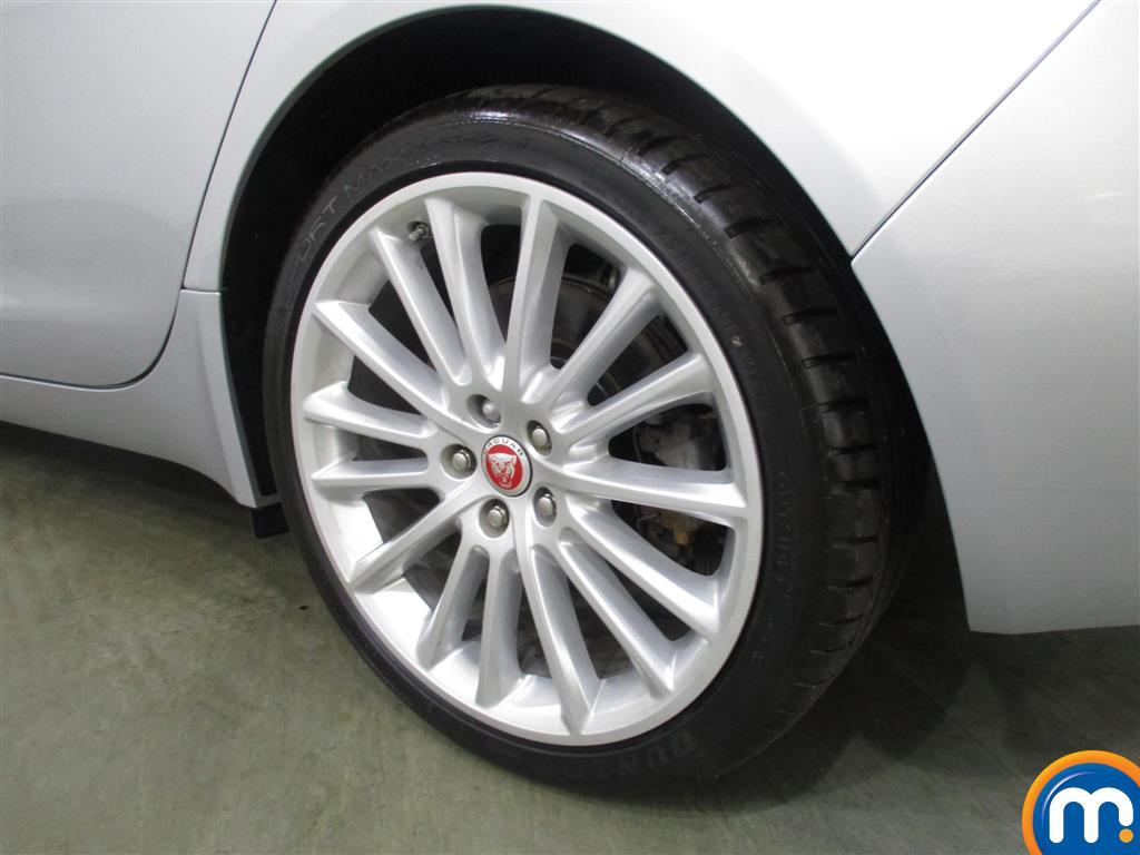 Jaguar XE Portfolio Automatic Diesel Saloon - Stock Number (988838) - 4th supplementary image
