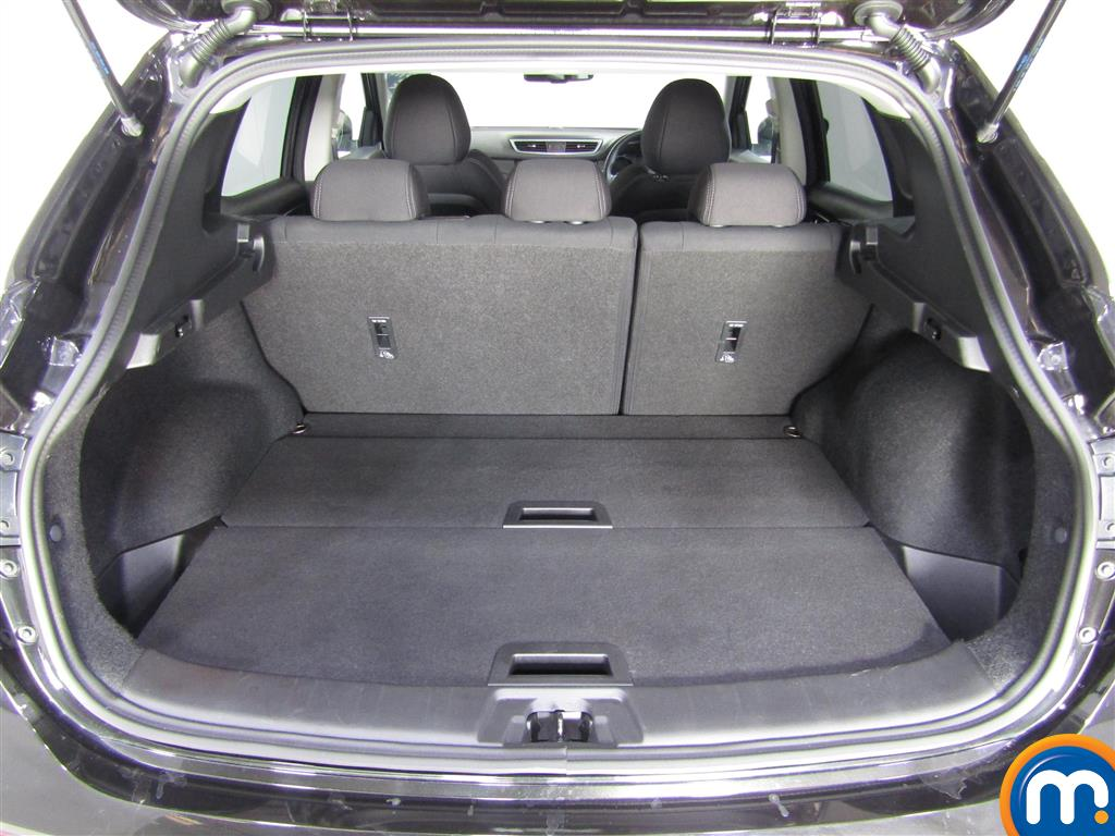 Nissan Qashqai N-Connecta Manual Petrol Hatchback - Stock Number (1002755) - 2nd supplementary image