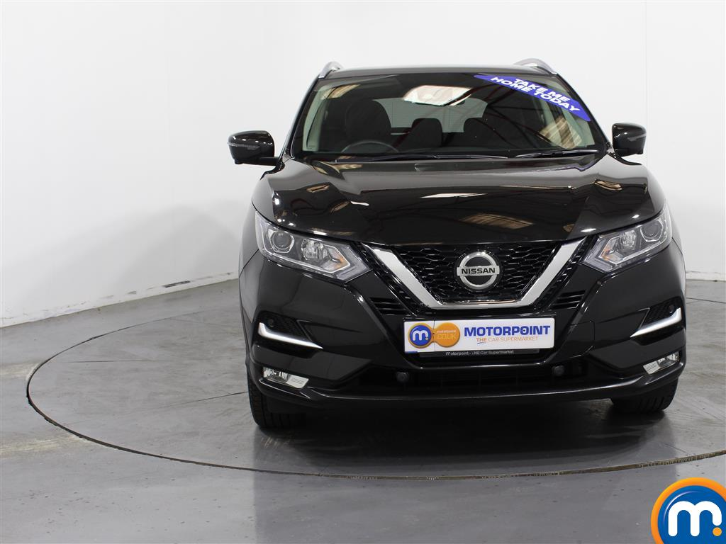 Nissan Qashqai N-Connecta Manual Petrol Hatchback - Stock Number (1002755) - Front bumper