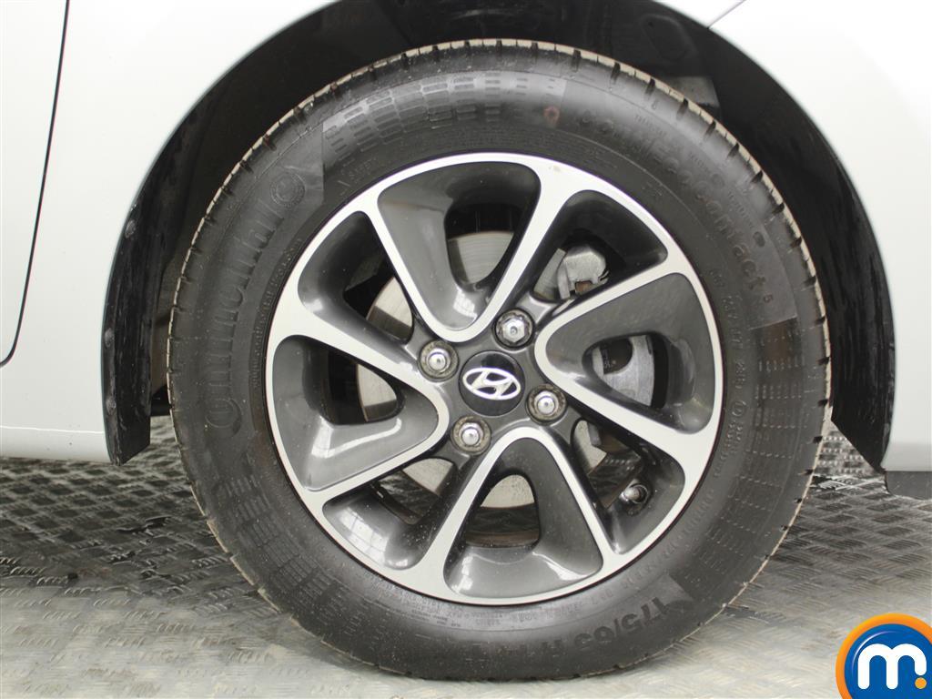 Hyundai I10 Premium Manual Petrol Hatchback - Stock Number (996812) - 3rd supplementary image