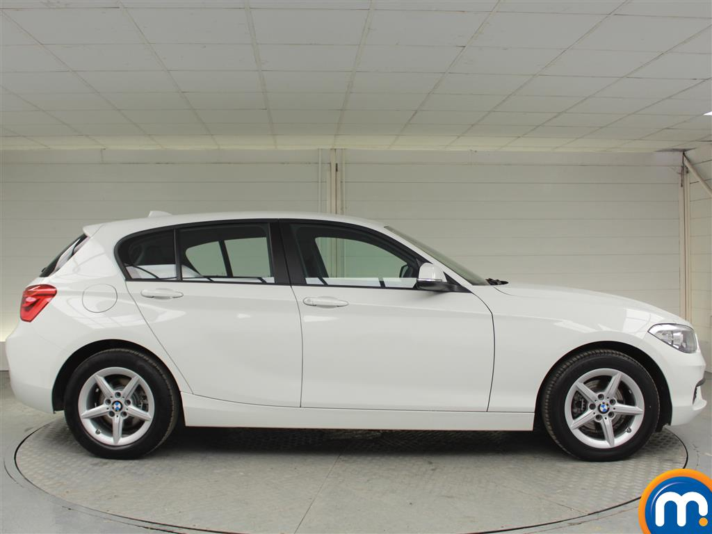 BMW 1 Series SE Manual Diesel Hatchback - Stock Number (994850) - Drivers side