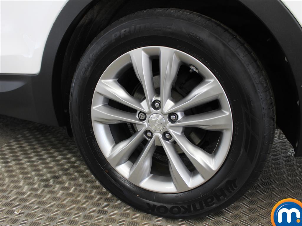 Hyundai Santa Fe Premium Manual Diesel 4X4 - Stock Number (1007121) - 5th supplementary image
