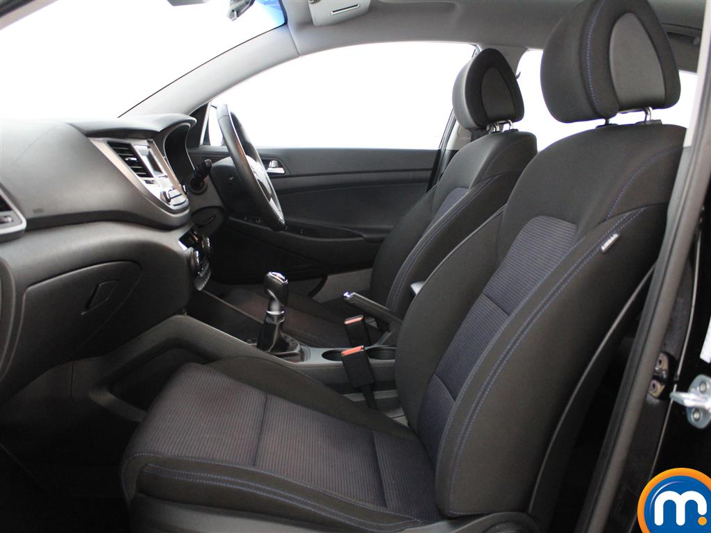 Hyundai Tucson SE Manual Petrol Crossover - Stock Number (1004175) - 1st supplementary image
