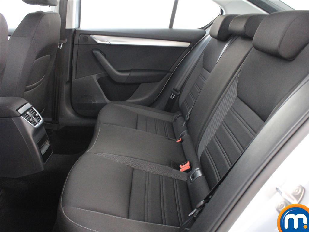 Skoda Octavia SE Automatic Petrol Hatchback - Stock Number (1009781) - 2nd supplementary image