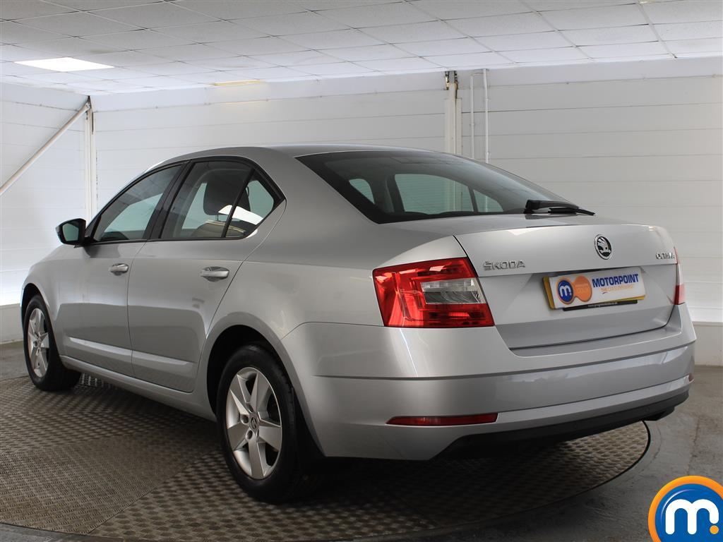 Skoda Octavia SE Automatic Petrol Hatchback - Stock Number (1009781) - Passenger side rear corner