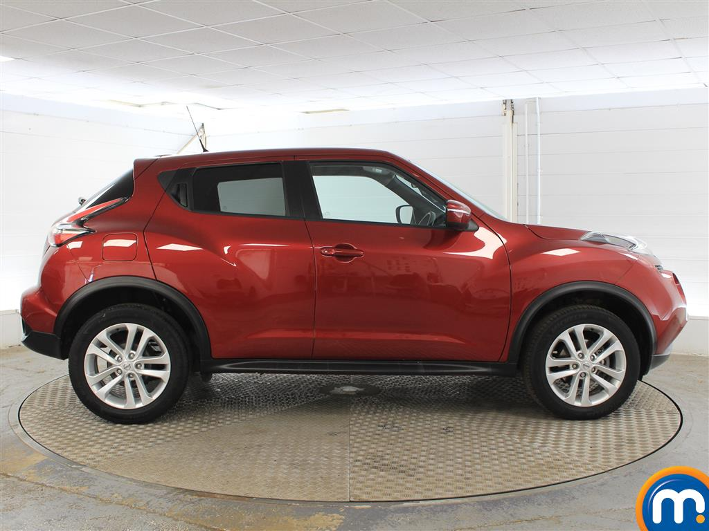 Nissan Juke Acenta Manual Petrol Hatchback - Stock Number (1015291) - Drivers side