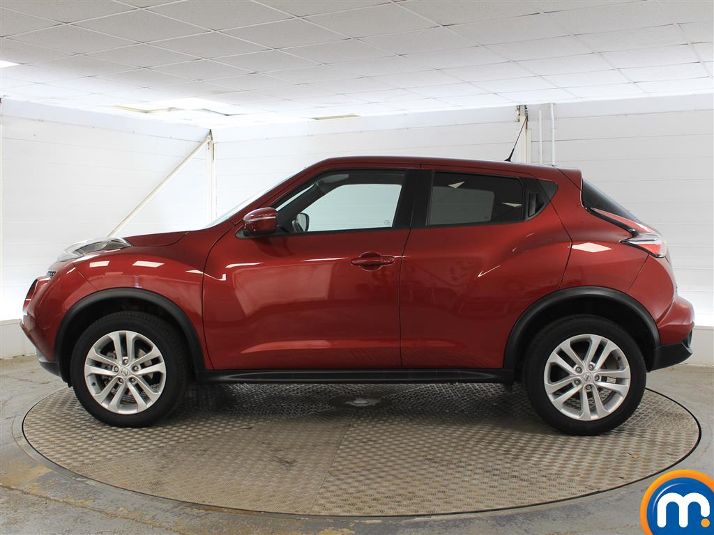 Nissan Juke Acenta Manual Petrol Hatchback - Stock Number (1015291) - Passenger side