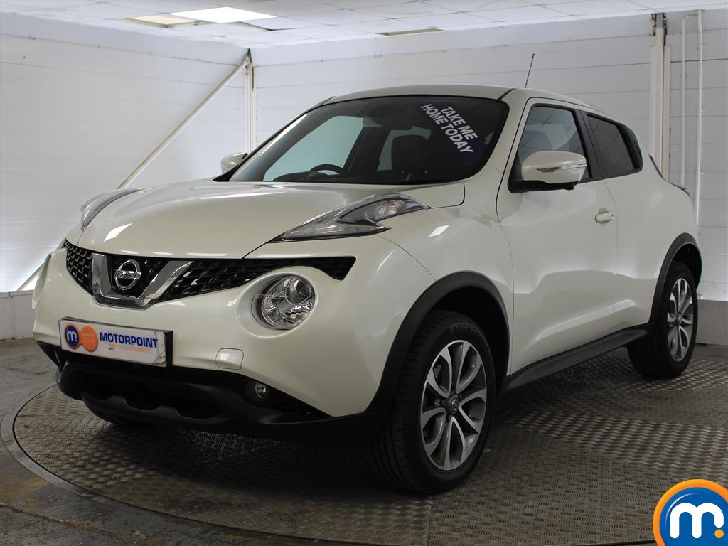 Nissan Juke Tekna Manual Diesel Hatchback - Stock Number (1011707) - Passenger side front corner
