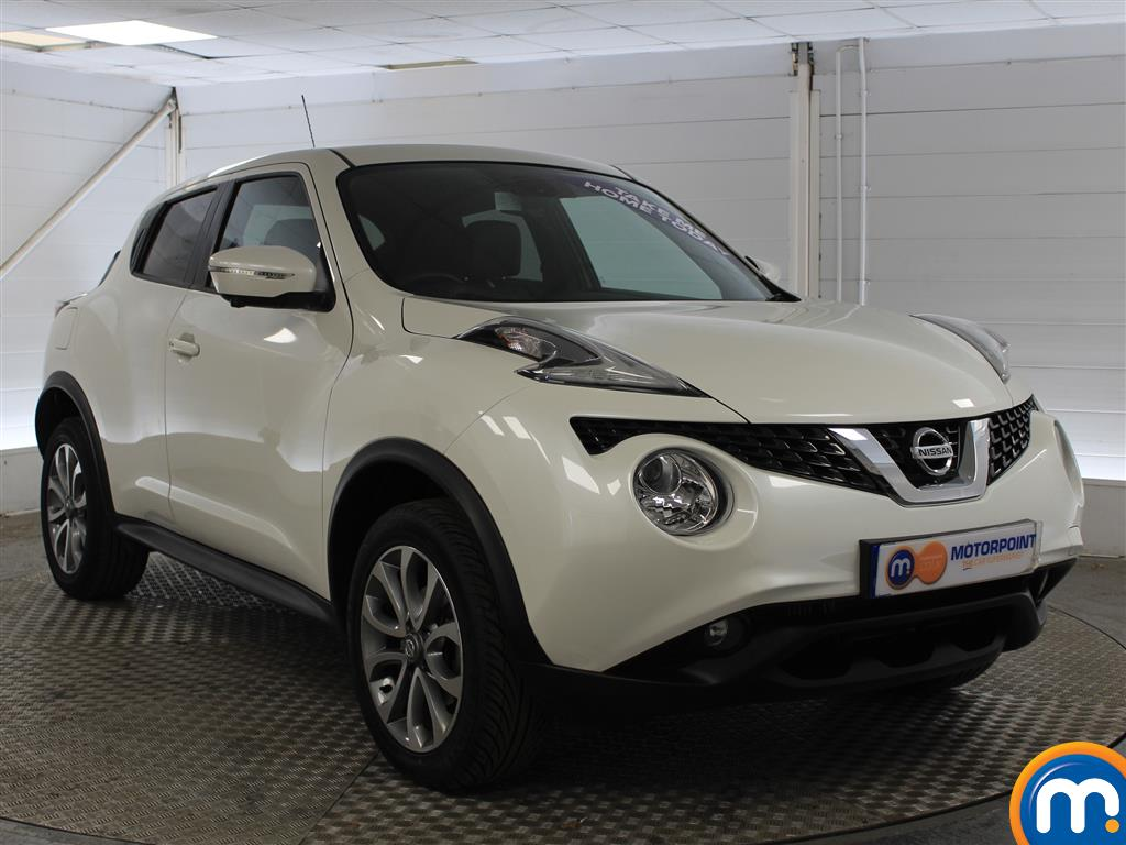 Nissan Juke Tekna Manual Diesel Hatchback - Stock Number (1011707) - Drivers side front corner
