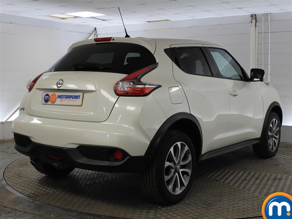 Nissan Juke Tekna Manual Diesel Hatchback - Stock Number (1011707) - Drivers side rear corner