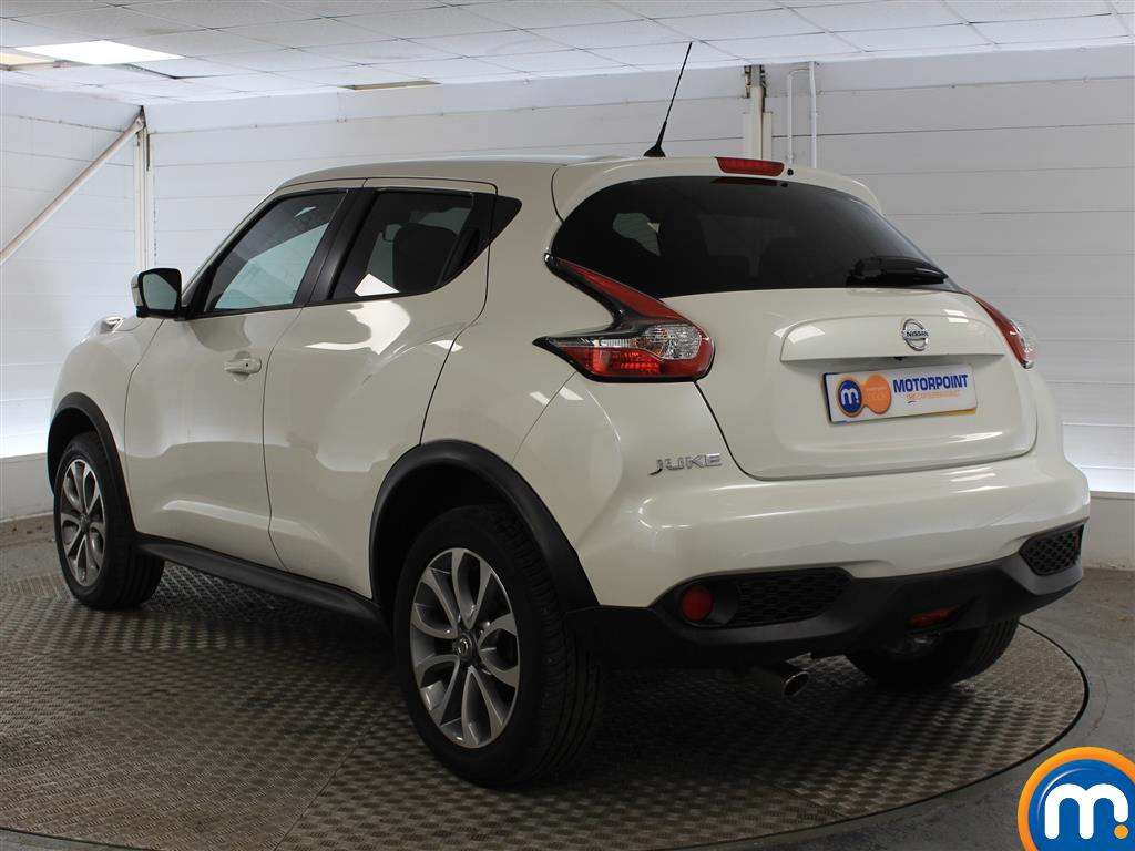 Nissan Juke Tekna Manual Diesel Hatchback - Stock Number (1011707) - Passenger side rear corner