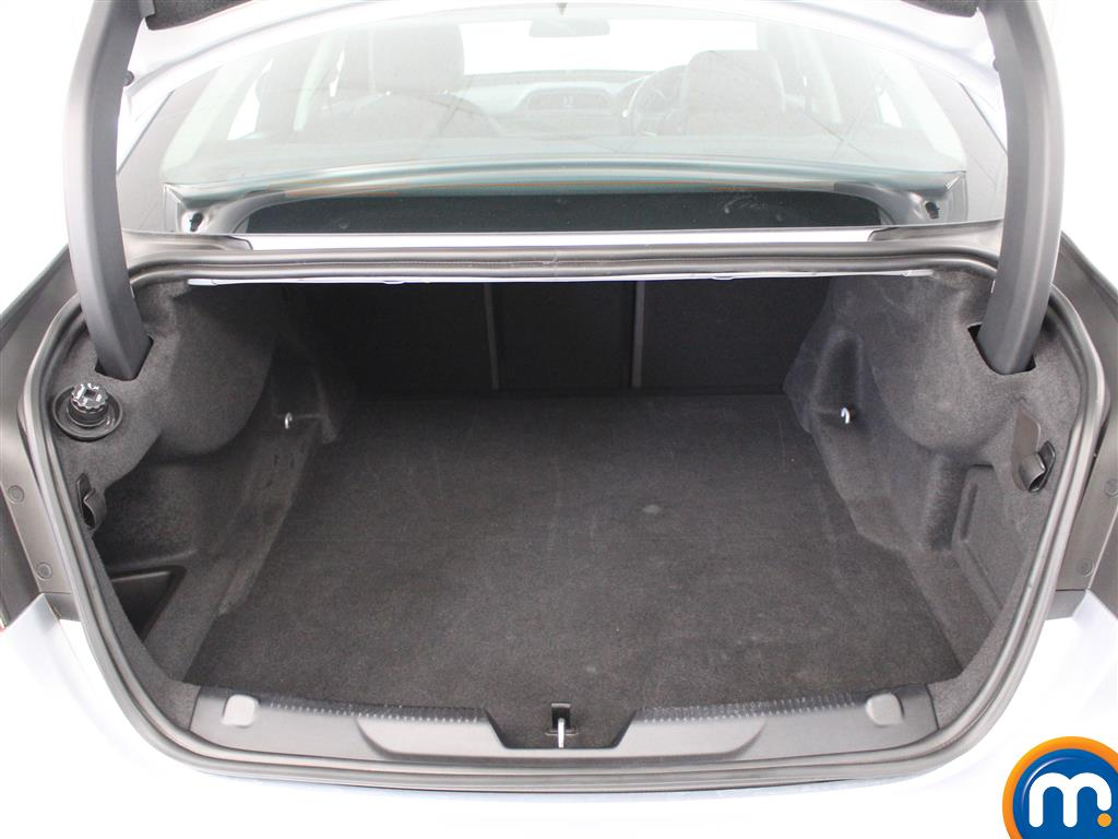Jaguar XE Prestige Automatic Diesel Saloon - Stock Number (1016344) - 4th supplementary image
