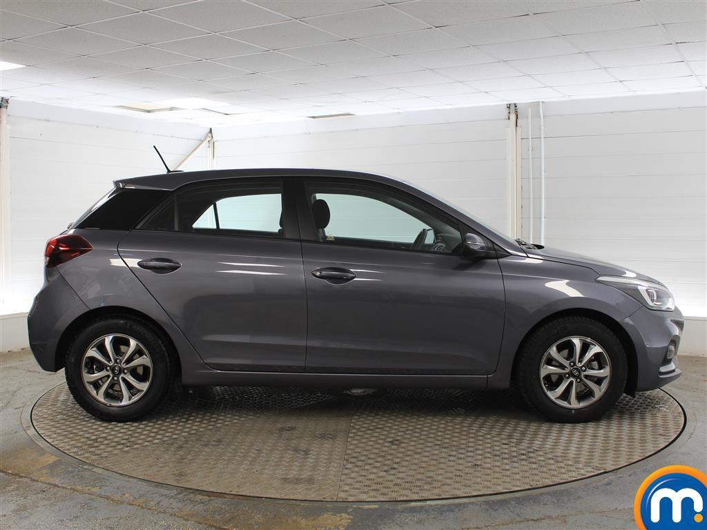 Hyundai I20 SE Manual Petrol Hatchback - Stock Number (1011672) - Drivers side