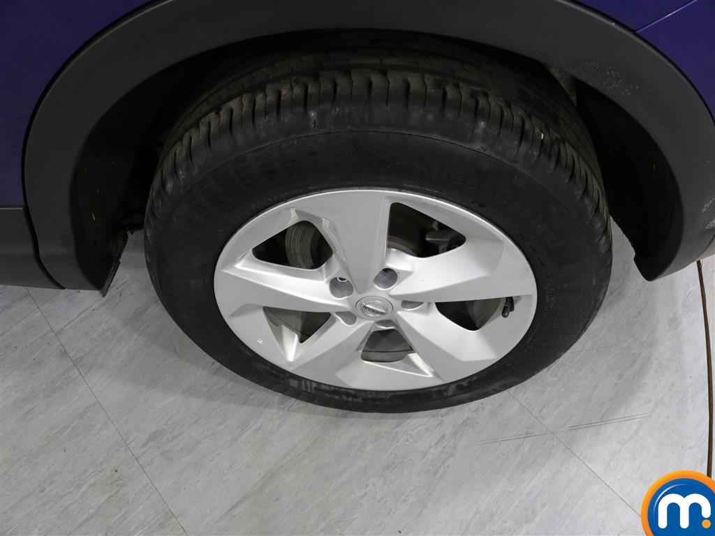 Nissan Qashqai Acenta Manual Petrol Hatchback - Stock Number (1007039) - 3rd supplementary image
