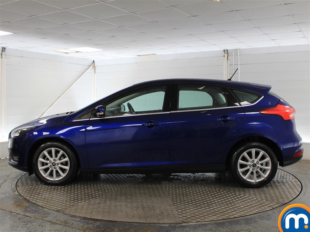 Ford Focus Titanium Manual Petrol Hatchback - Stock Number (1003744) - Passenger side