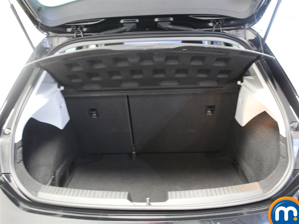 Seat Leon Se Dynamic Technology Manual Petrol Hatchback - Stock Number (1013696) - 4th supplementary image