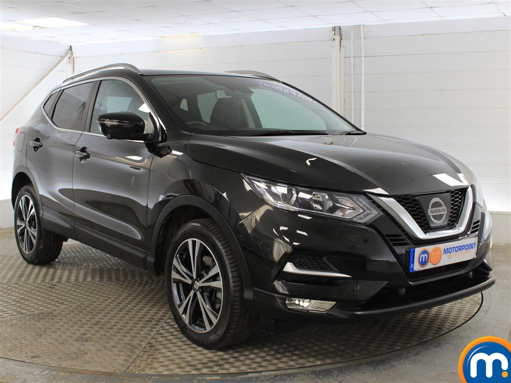 Nissan Qashqai N-Connecta Manual Petrol Hatchback - Stock Number (1015793) - Drivers side front corner