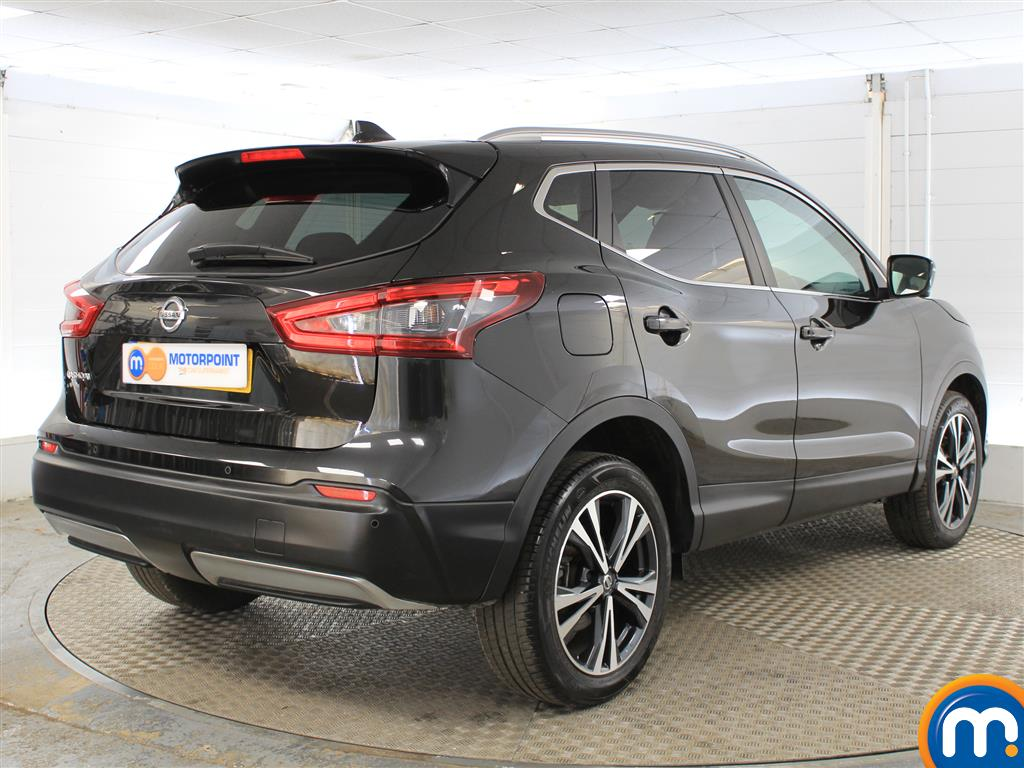 Nissan Qashqai N-Connecta Manual Petrol Hatchback - Stock Number (1015793) - Drivers side rear corner