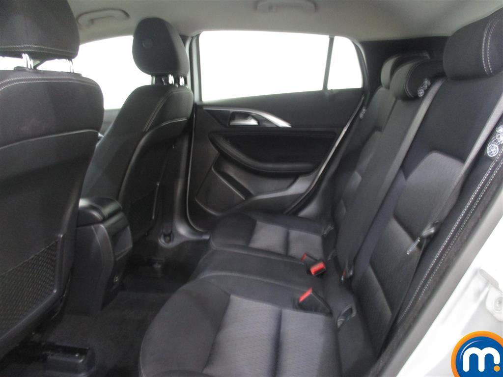 Infiniti Q30 SE Manual Diesel Hatchback - Stock Number (1011519) - 1st supplementary image