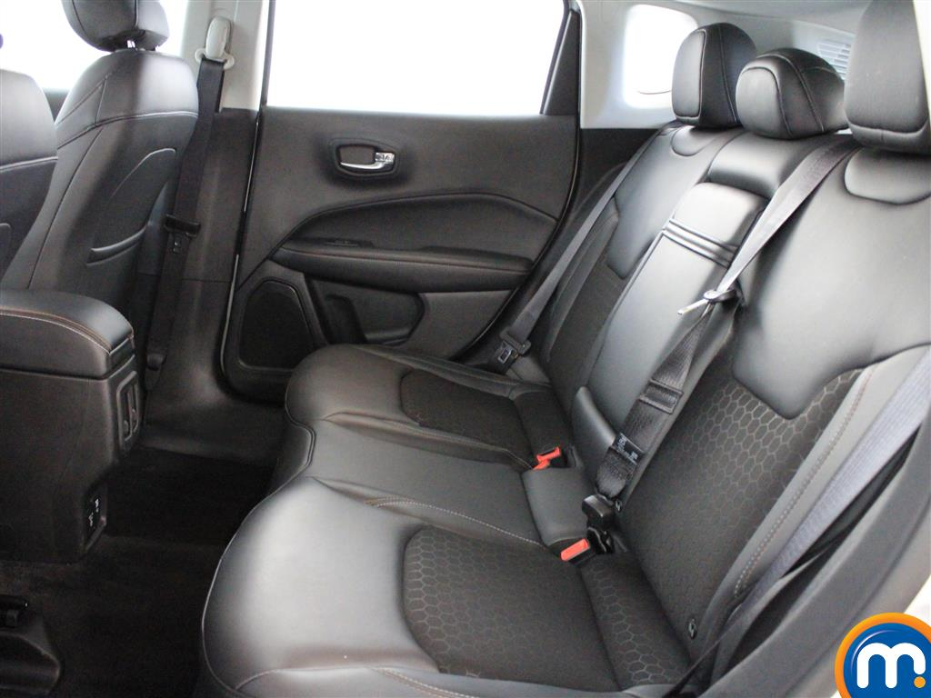 Jeep Compass Longitude Manual Petrol Crossover - Stock Number (1014973) - 2nd supplementary image