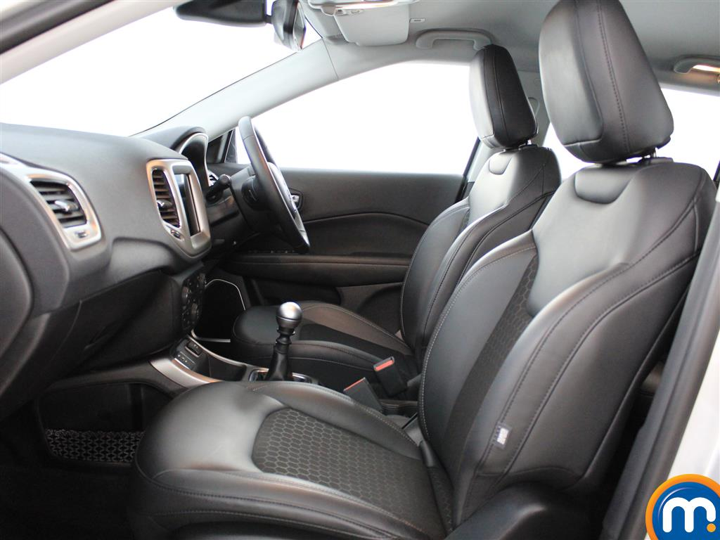 Jeep Compass Longitude Manual Petrol Crossover - Stock Number (1014973) - 1st supplementary image