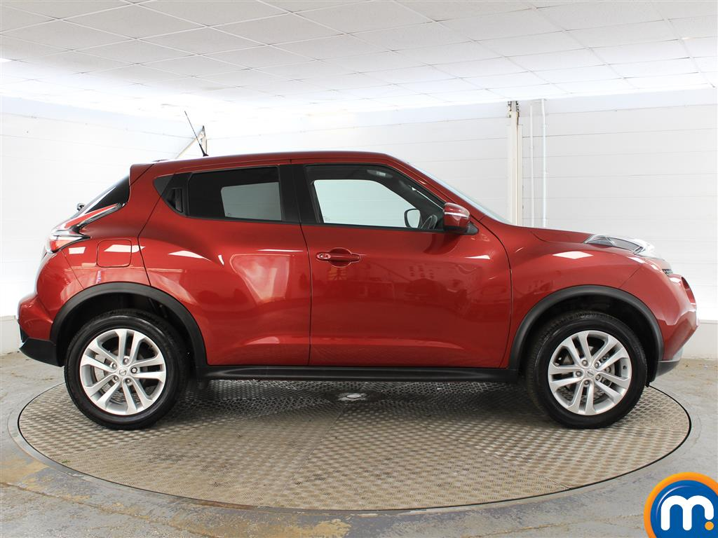 Nissan Juke N-Connecta Automatic Petrol Hatchback - Stock Number (1019914) - Drivers side