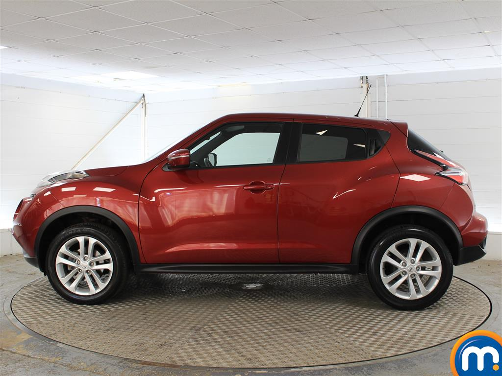 Nissan Juke N-Connecta Automatic Petrol Hatchback - Stock Number (1019914) - Passenger side