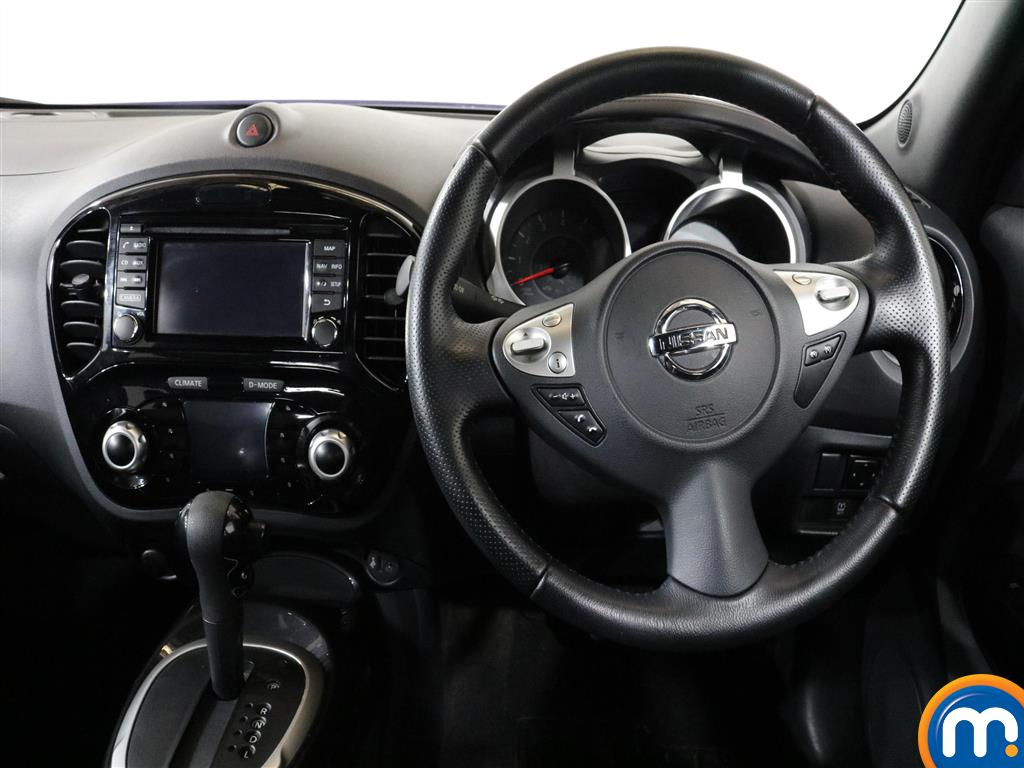 Nissan Juke N-Connecta Automatic Petrol Hatchback - Stock Number (1012672) - 5th supplementary image