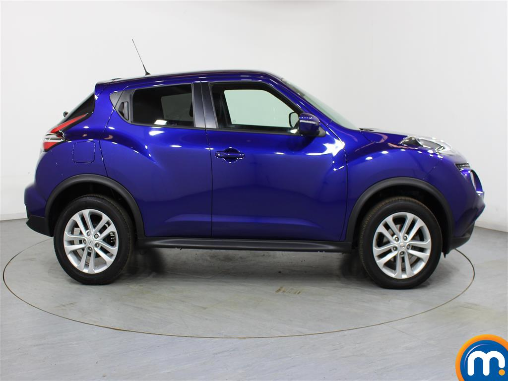 Nissan Juke N-Connecta Automatic Petrol Hatchback - Stock Number (1012672) - Drivers side