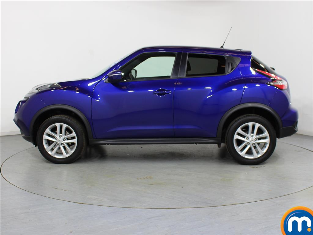 Nissan Juke N-Connecta Automatic Petrol Hatchback - Stock Number (1012672) - Passenger side