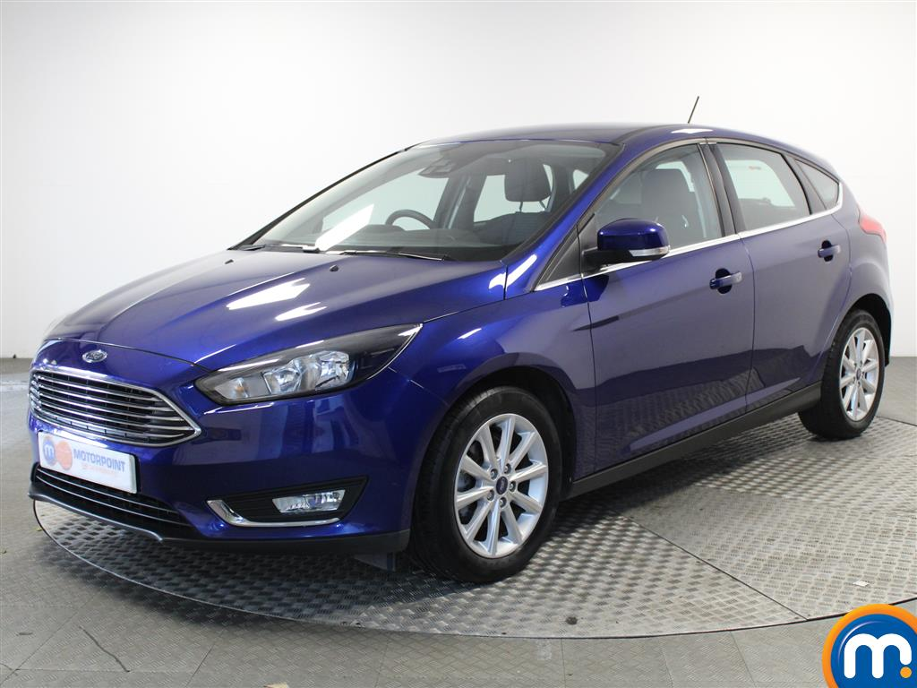 Ford Focus Titanium - Stock Number (1020578) - Passenger side front corner