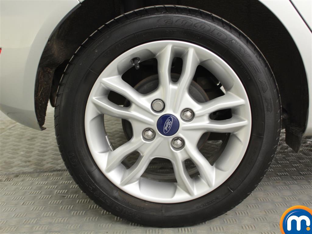 Ford Fiesta Zetec Manual Petrol Hatchback - Stock Number (1019280) - 3rd supplementary image