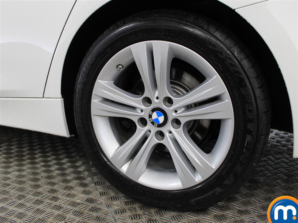 BMW 3 Series Sport Automatic Petrol Saloon - Stock Number (998922) - 5th supplementary image