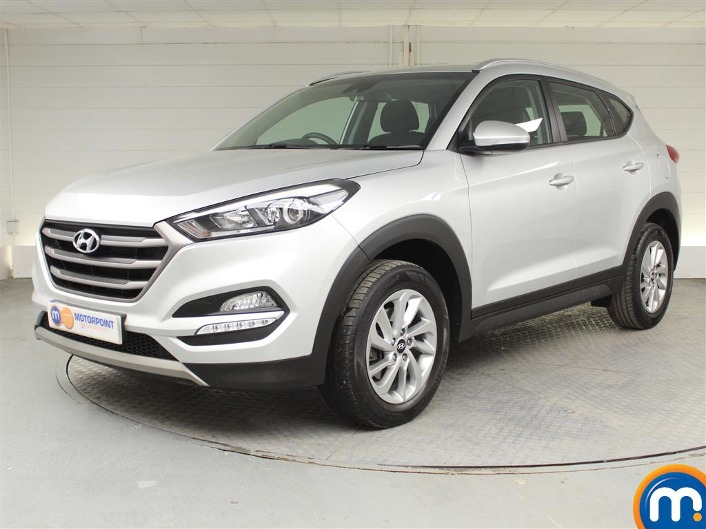 Hyundai Tucson SE - Stock Number 1025864 Passenger side front corner