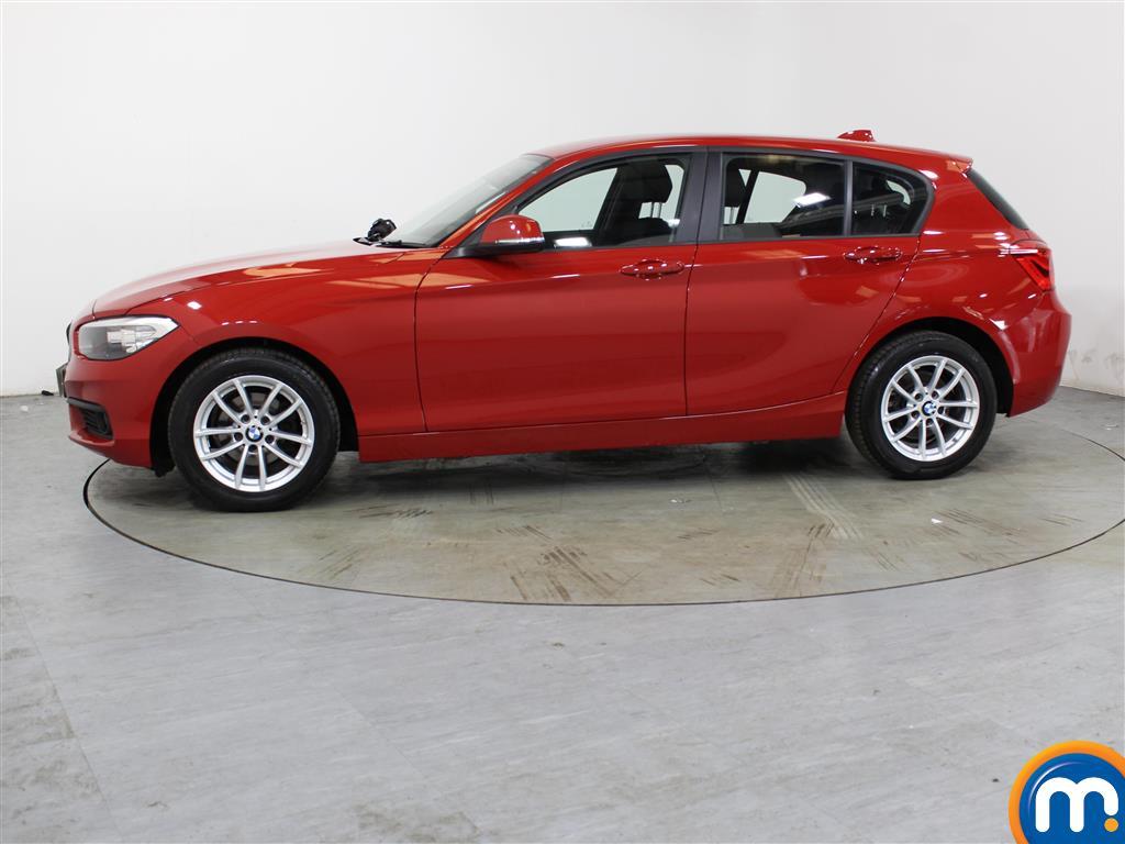 BMW 1 Series SE - Stock Number (1035951) - Passenger side front corner