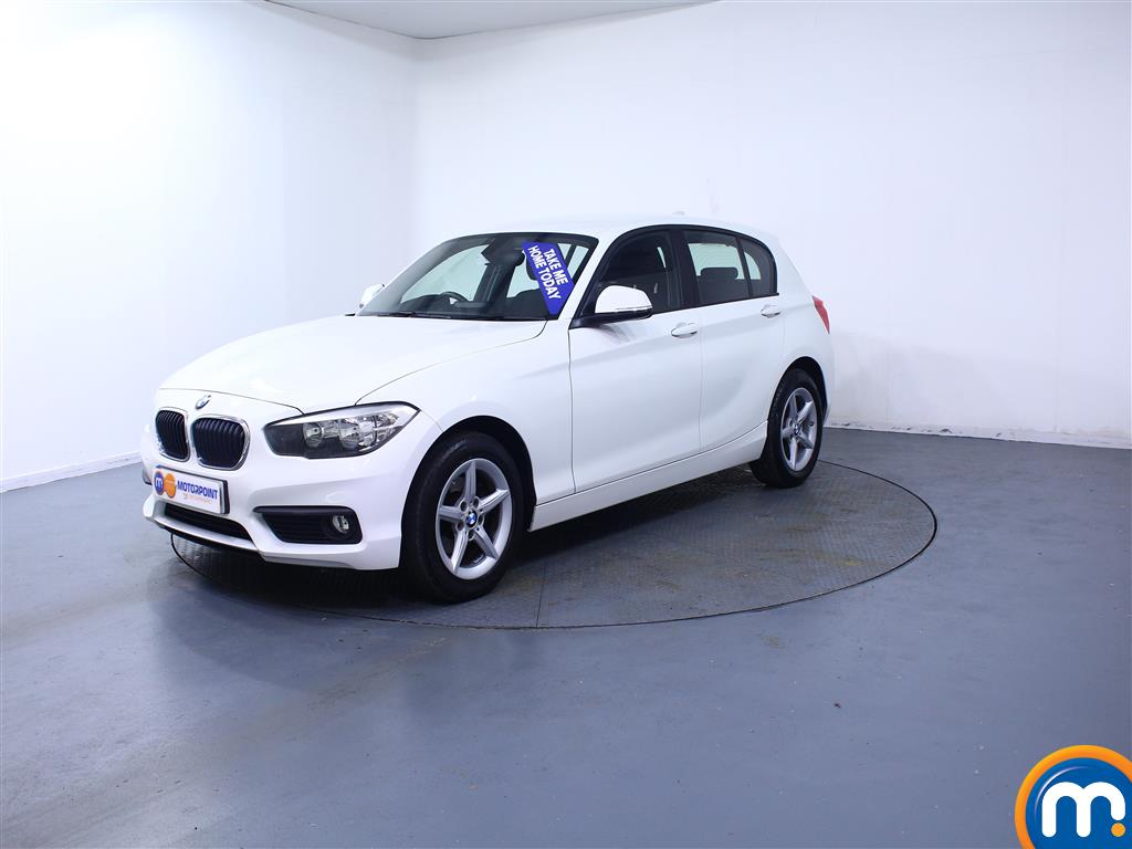 BMW 1 Series SE - Stock Number (1035133) - Passenger side front corner