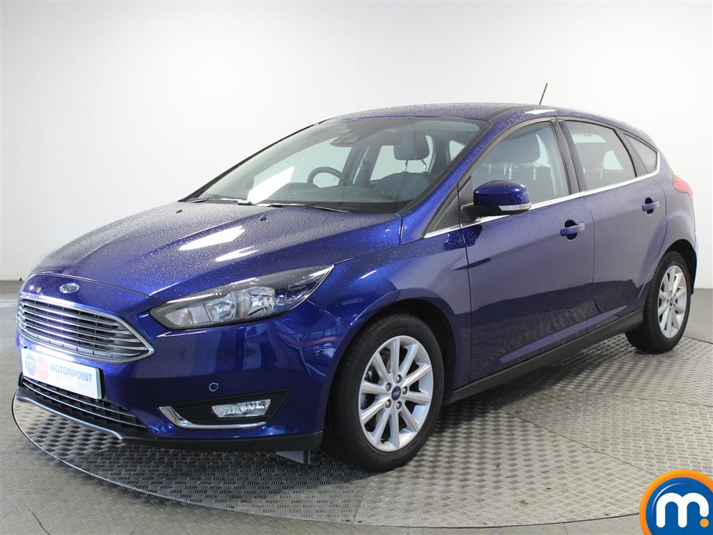 Ford Focus Titanium - Stock Number (1028096) - Passenger side front corner