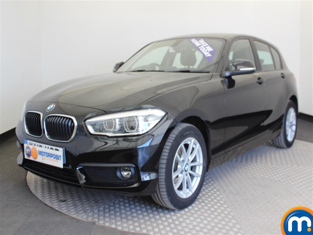 BMW 1 Series SE Business - Stock Number (1035098) - Passenger side front corner