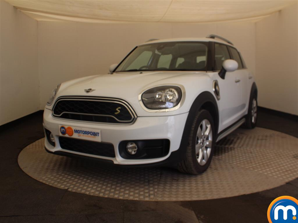 Mini Countryman Cooper S E - Stock Number 1036933 Passenger side front corner