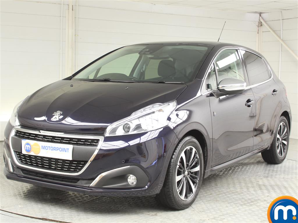 Peugeot 208 Tech Edition - Stock Number 1036007 Passenger side front corner
