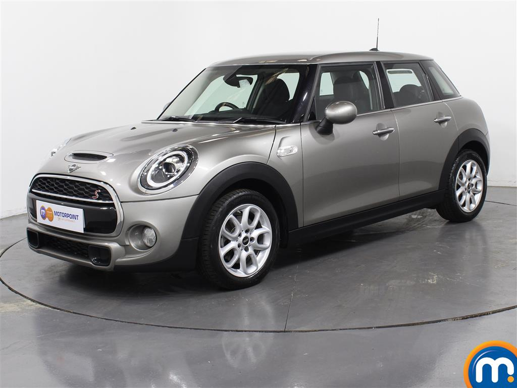 Mini Hatchback Cooper S - Stock Number 1035970 Passenger side front corner