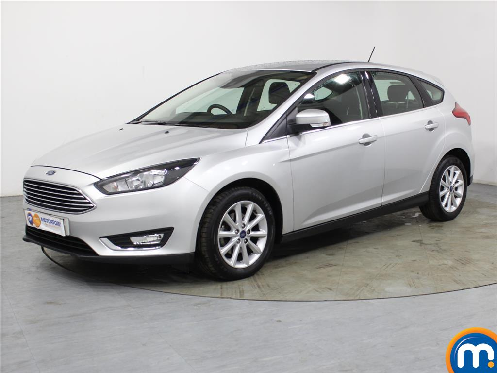 Ford Focus Titanium - Stock Number 1036674 Passenger side front corner