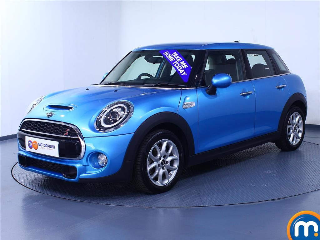Mini Hatchback Cooper S - Stock Number 1044039 Passenger side front corner