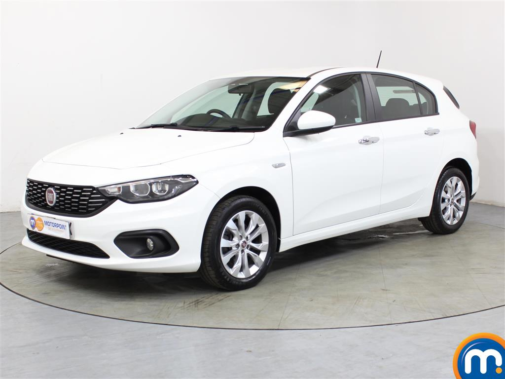 Fiat Tipo Easy Plus - Stock Number (1045003) - Passenger side front corner