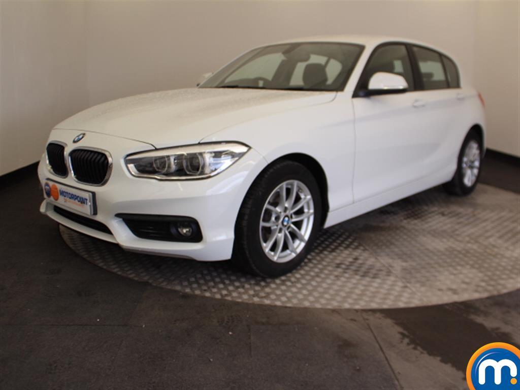 BMW 1 Series SE Business - Stock Number 1049386 Passenger side front corner