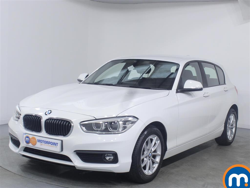 BMW 1 Series SE Business - Stock Number 1049343 Passenger side front corner
