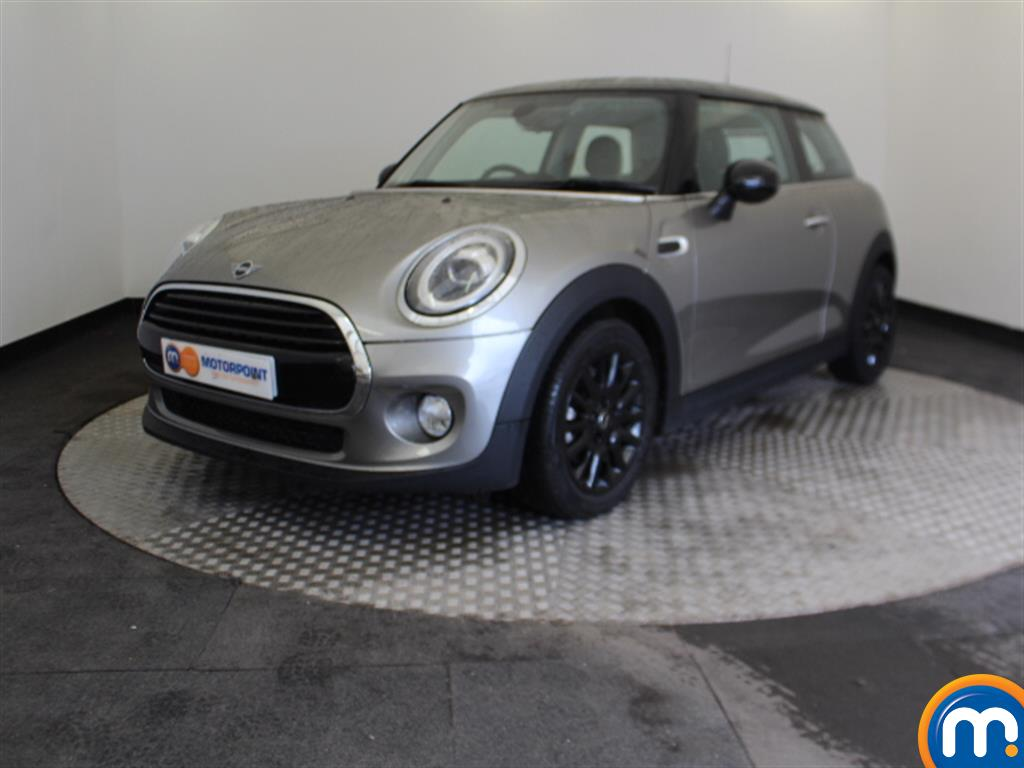 Mini Hatchback Cooper Classic - Stock Number 1050015 Passenger side front corner