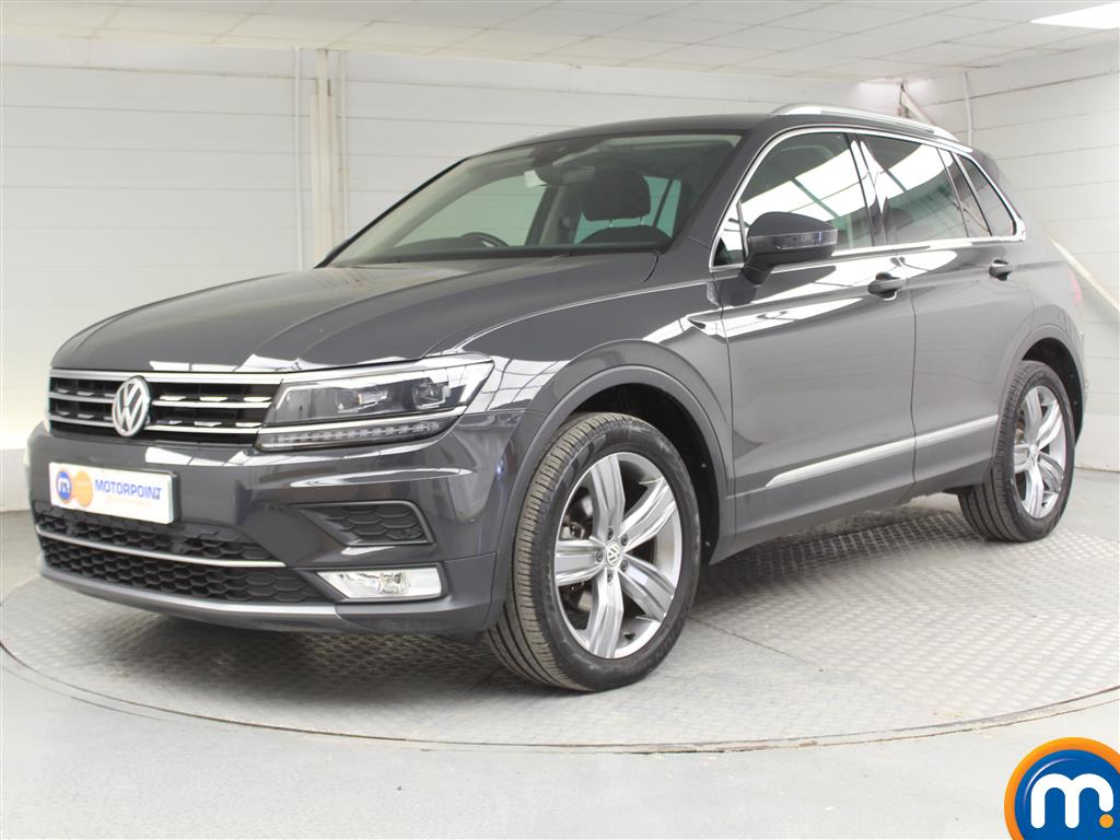 Volkswagen Tiguan SEL - Stock Number 1046890 Passenger side front corner